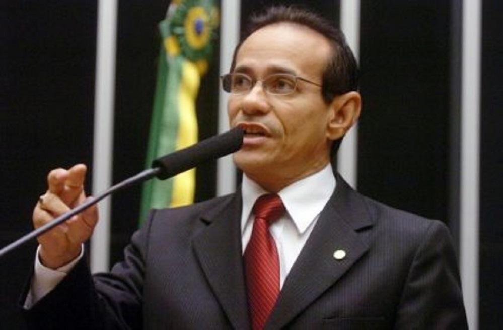 Pinto Itamaraty discursa no plenário do Senado Federal