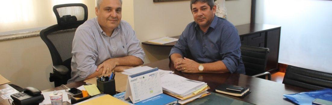 Prefeito de Cajapió e o secretário chefe da Casa Civil Marcelo Tavares